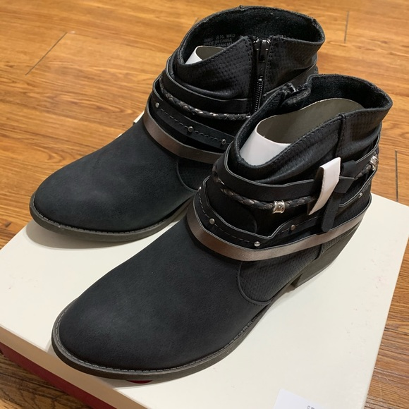 SO Shoes | Kohls Ankle Boots | Poshmark